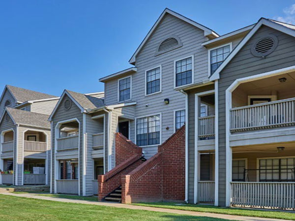 Arbors of Central Park Apartments, Bedford TX