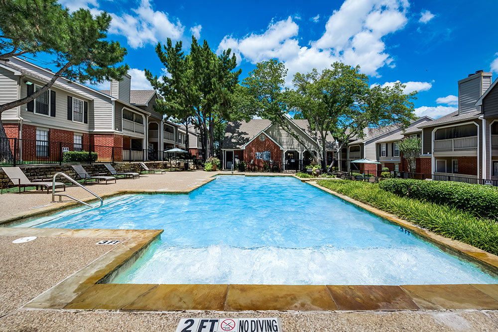 Arbors of Central Park Apartments Bedford, TX